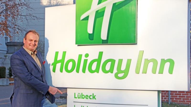 Holiday Inn Lübeck: Aufbruch zu neuen Ufern – Neuer Direktor Christian Schmidt startet mit kreativen Ideen im Gepäck