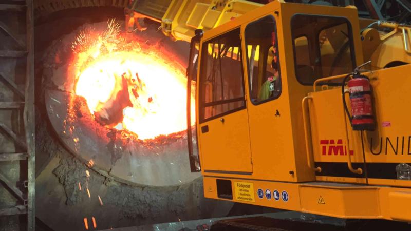 """Heavy Metal"" Mini-Ausbrechmaschine mit um 360° drehbarem Ausleger"