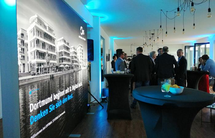 OPTIMAL SYSTEMS feierte in neuen Räumen auf Phoenixsee-Areal