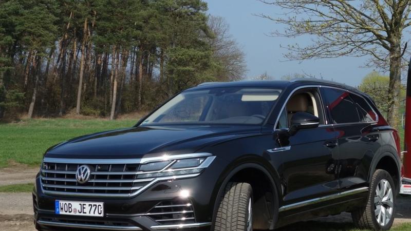 Pferdeanhänger-Zugfahrzeugtest VW Touareg auf Mit-Pferden-reisen.de
