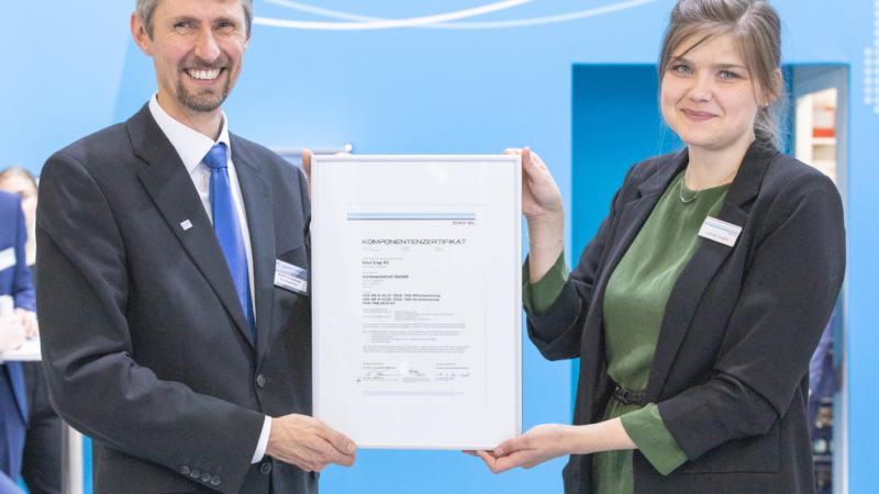 Ausgezeichnet: meteocontrol-Parkregler erhält Komponentenzertifikat
