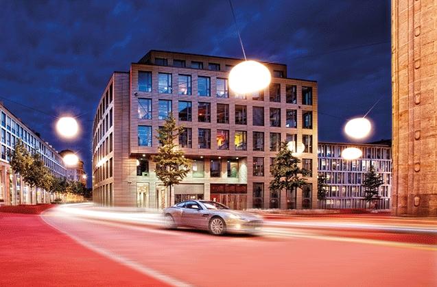 """""""Der perfekte Tag für den Mann"""" – neues exklusives Programm der autobau erlebniswelt in Romanshorn für autoaffine Männer mit Stil, Lifestyle und Gesch"""