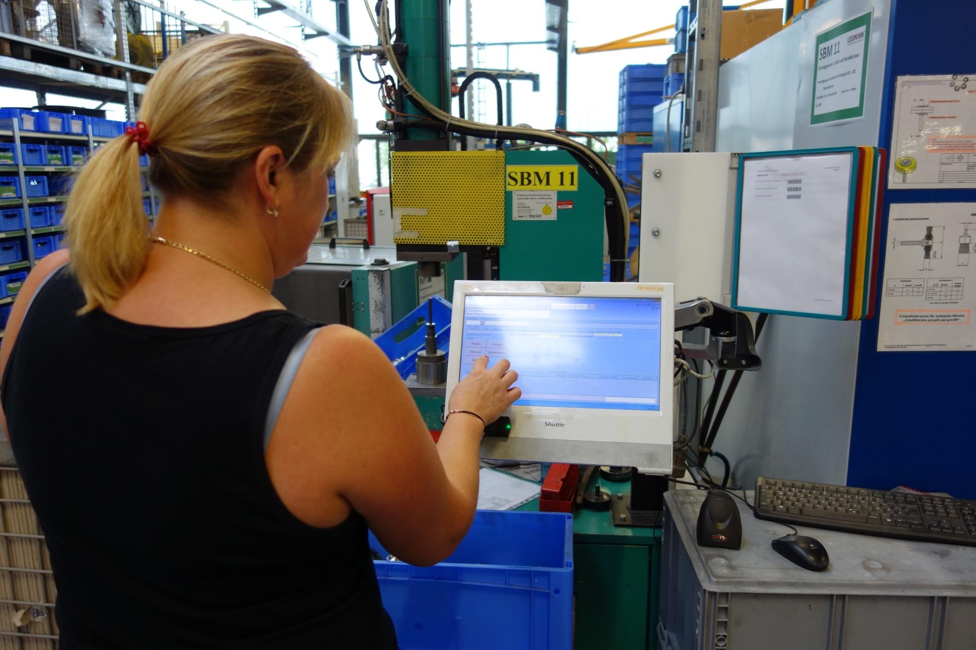 Mehr Transparenz in der Produktion bei Lessmann