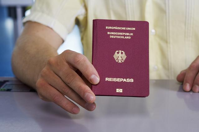 Was ist ein Zweitpass? – Verbraucherfrage der Woche der ERGO Reiseversicherung