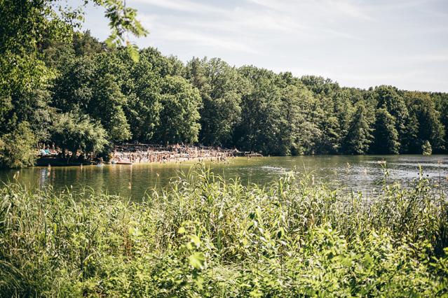 Sicherheit in Badeseen und Flüssen – Saisonale Verbraucherinformation der ERGO Versicherung