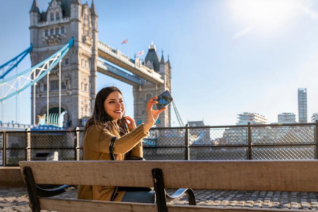 Urlaubsfotos posten – Verbraucherfrage der Woche des D.A.S. Leistungsservice