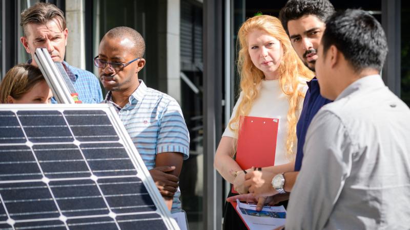 Klimaschutz finanzieren – Ausgezeichnetes Trainingsangebot für Finanzierer startet jetzt auch in Deutschland
