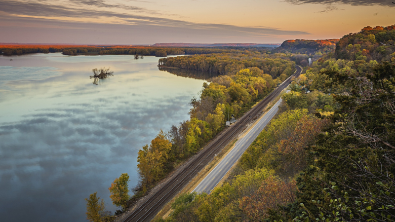Goldener Herbst: Prächtige Natur und gruselige Festivals in Illinois