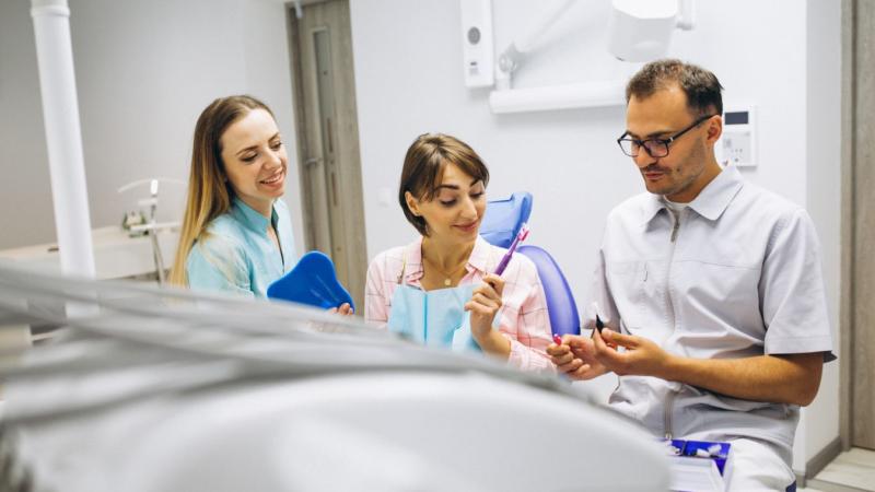 Zahnpflege – Nur bürsten allein genügt nicht