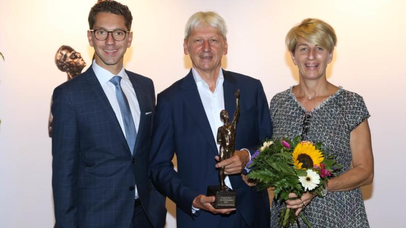 """Fertighaus WEISS erhält """"Großen Preis des Mittelstandes"""""""