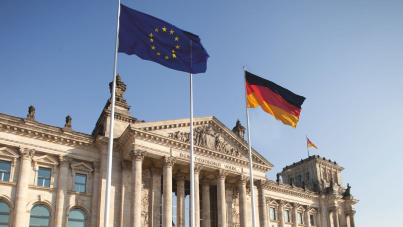 Buch-Neuerscheinung: Der 19. Deutsche Bundestag – Unsere Halbzeitbilanz