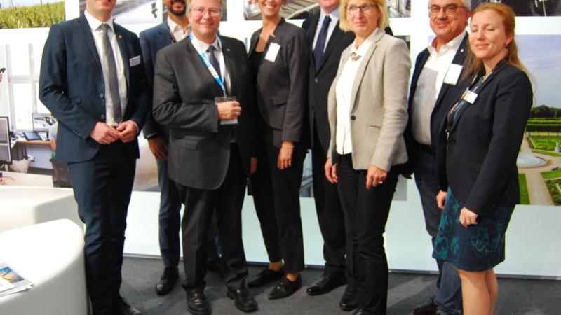 Was The HUB Emden Global Playern und Gründern bietet