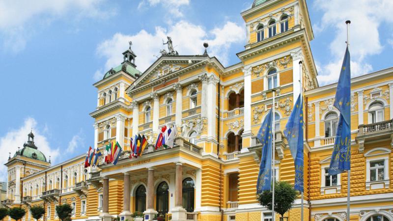 Glanzvoll, geschichtsträchtig, gesundheitsbewusst: Das Nove Lázne Health Spa Hotel in Marienbad