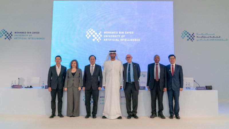 Abu Dhabi gibt Gründung der weltweit ersten KI-Universität für Absolventen bekannt