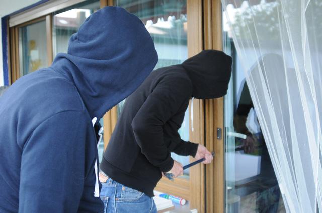 Haus und Wohnung vor Einbrechern schützen – Verbraucherinformation der ERGO Versicherung