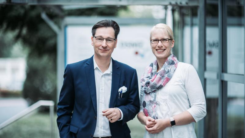 Bundesforschungsministerin Anja Karliczek am 20. November 2019 zu Gast beim Leibniz-Institut DSMZ in Braunschweig