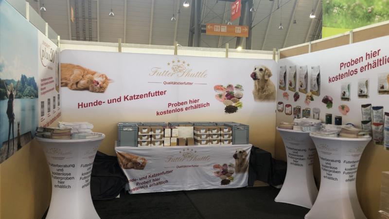 Animal Stuttgart 2019. Futter Shuttle verteilt kostenlose Hunde- und Katzenfutter Proben