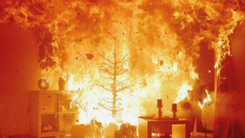Tannenzweige: Mit jedem Adventstag steigt die Brandgefahr