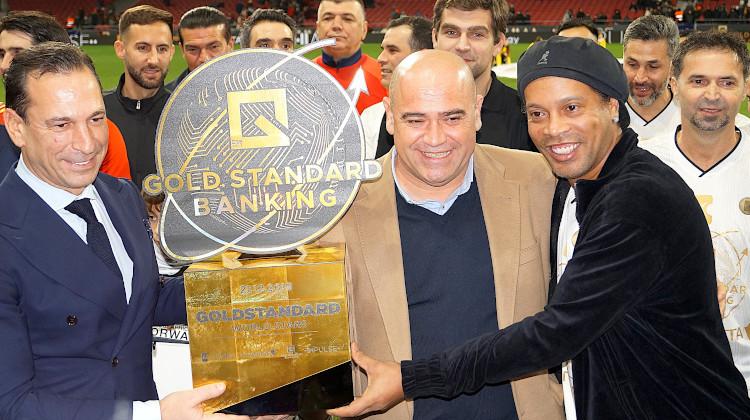 GSB Gold Standard Banking – Wohltätigkeit mit Weltfußballern