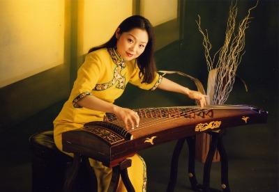 Chinesische Musikerin Mona Li in Stade