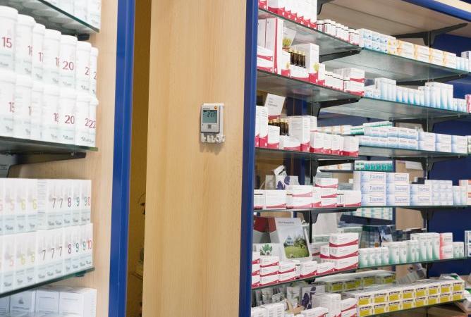 Automatisierte Temperaturüberwachung von Arzneimitteln mit dem WLAN-Datenlogger-System testo Saveris 2.