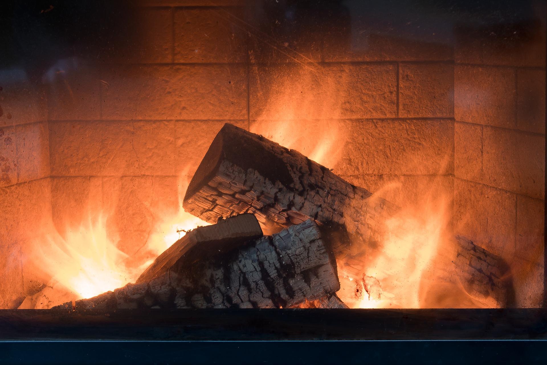 Gefährliche Kombi: Kamin und Dunstabzugshaube