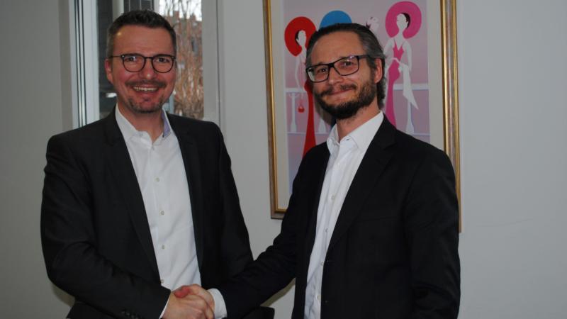 PROFI und XEPTUM schließen Kooperationsvertrag