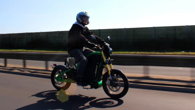 Innovatives Elektromotorrad eROCKIT: Verstärkung für Brandenburger eMobility-Startup