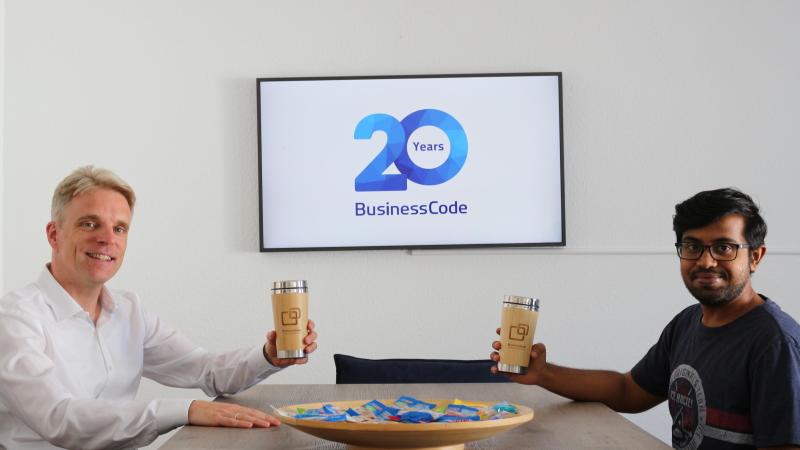 BusinessCode startet hybrides Arbeiten mit neu gestaltetem Büro
