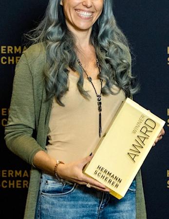 Christina Wingenbach gewinnt Speaker Slam in Berlin