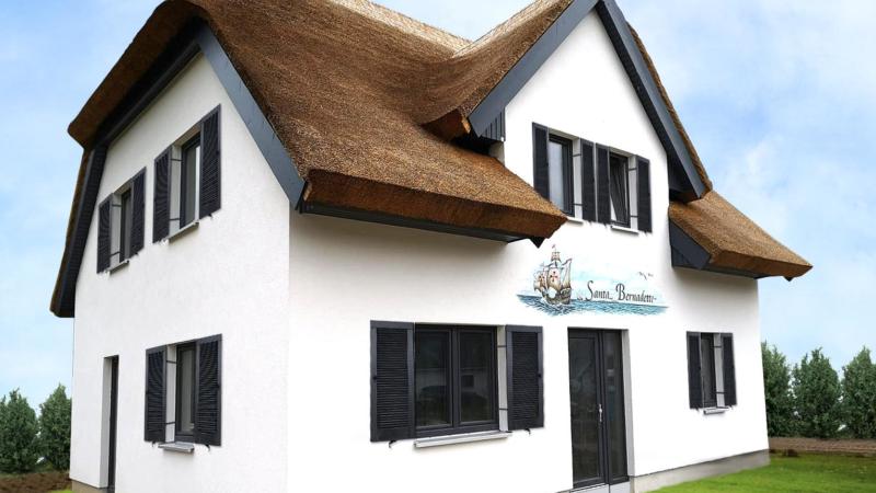 Neu ! Exclusives Reethaus mit 4 Schlafzimmer 8 Betten zwei Bäder Gäste WC Sauna Kamin Wlan ca 100 m zur Ostsee