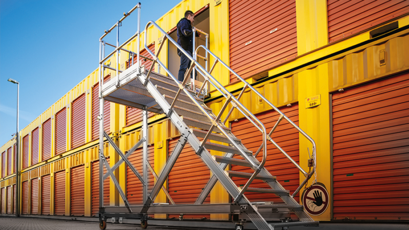 KRAUSE-Treppen und -Überstiege – leicht, robust und extrem stabil