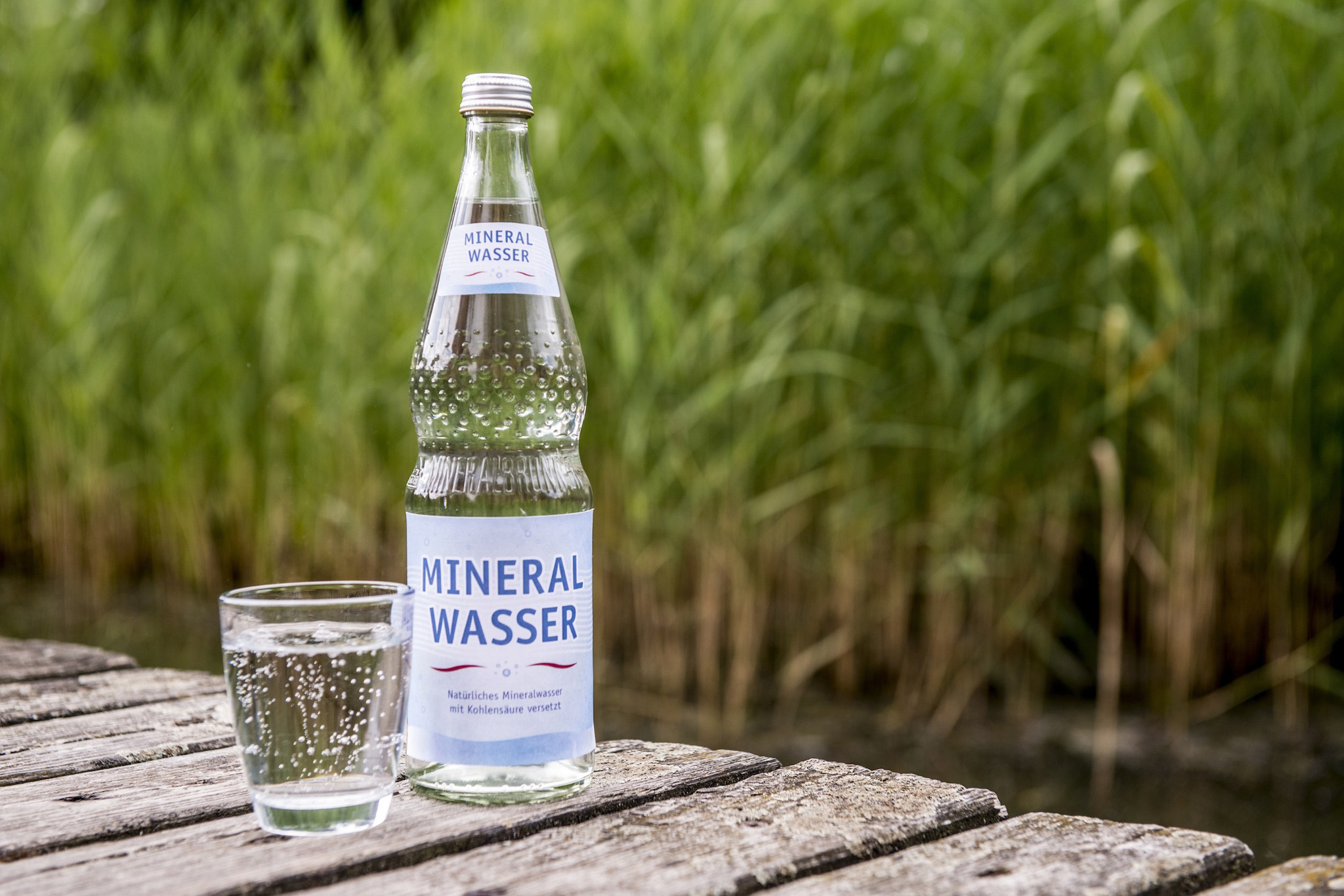 Gerichtsurteil: Natürliches Mineralwasser und Leitungswasser stehen als Lebensmittel im Wettbewerb