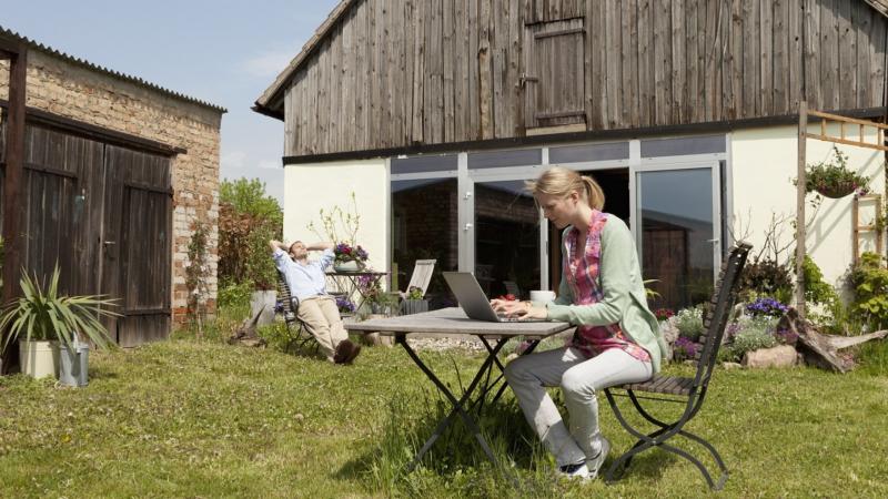 Warum die Deutschen ihr Traumhaus-Glück im Grünen suchen