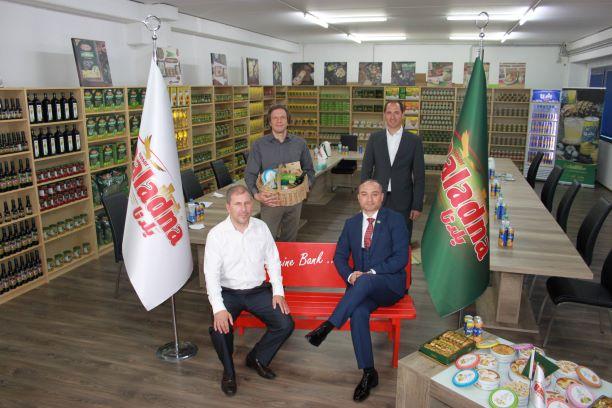 Baladna, Produzent von hochwertigen arabischen Halal-Lebensmitteln, begrüßt die Sparkasse Neuss zum Gedankenaustausch