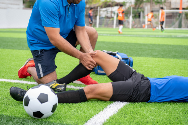UEFA European Championship: Professional Soccer players also struggle with thrombosis and varicose veins – Quick comeback with ELVeS Radial Laser Ther