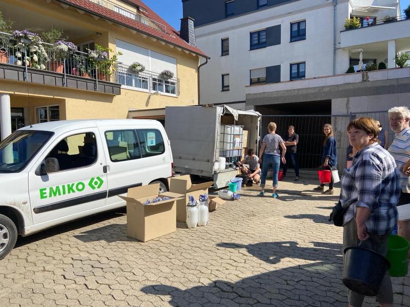 EMIKO mit OBI – gemeinsam mit Drucksprühern und EM gegen Feuchtigkeit und Schimmel in den Hochwassergebieten