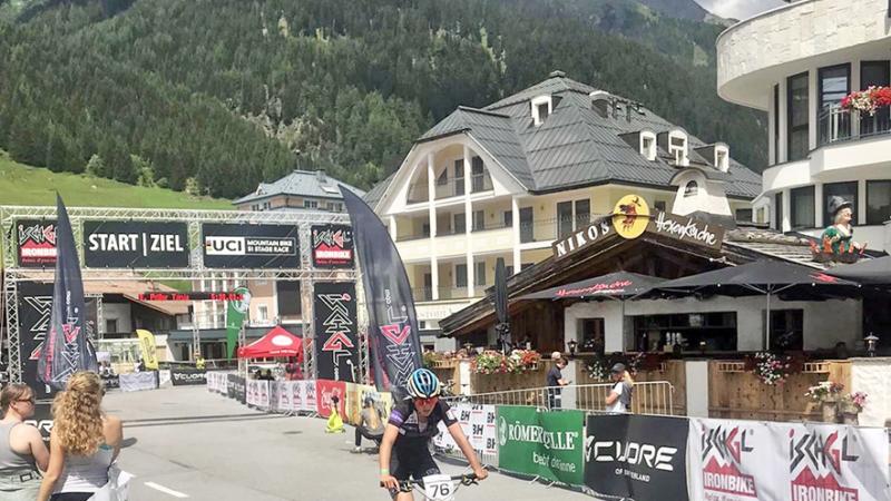 Tanja Priller vom RSC Wolfratshausen fährt auf Platz 5 beim Ischgl Ironbike
