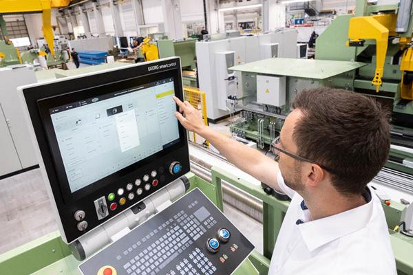 Heinrich Georg Maschinenfabrik stärkt den digitalen Service