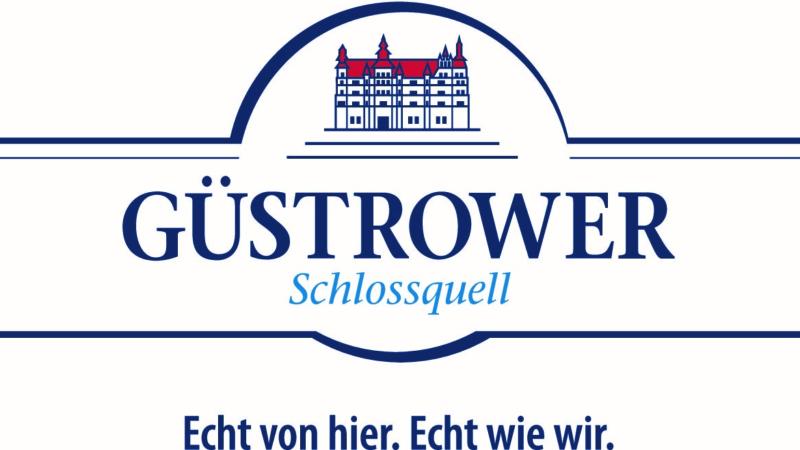 Güstrower Schlossquell übergibt Spende für Bienenstraße