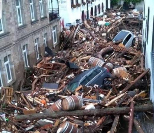 Direkte Hilfe für Opfer der Flutkatastrophe