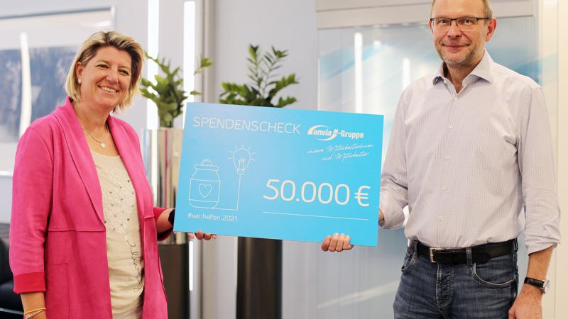 enviaM-Gruppe und Mitarbeiter spenden 50.000 Euro an Deutsches Rotes Kreuz und Stiftung Technisches Hilfswerk