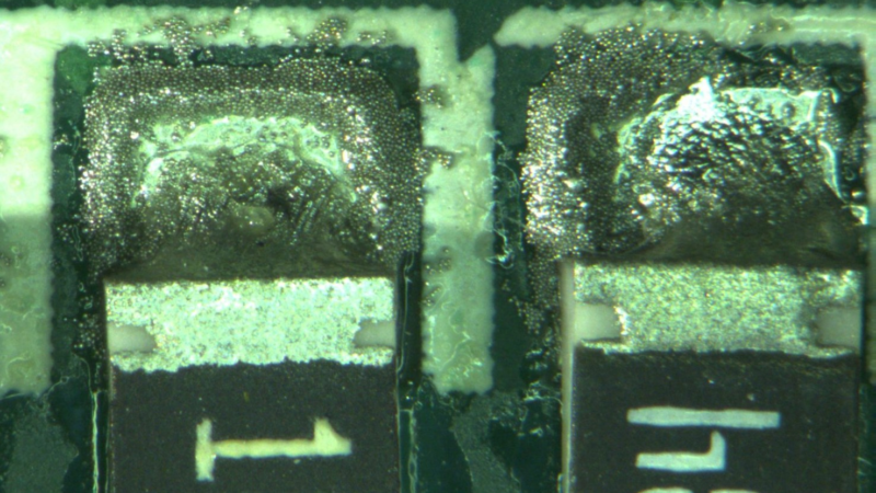 Soldering defects and soldering atmosphere