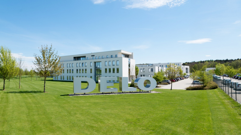 DELO digitalisiert seinen Versandprozess mit AEB Software