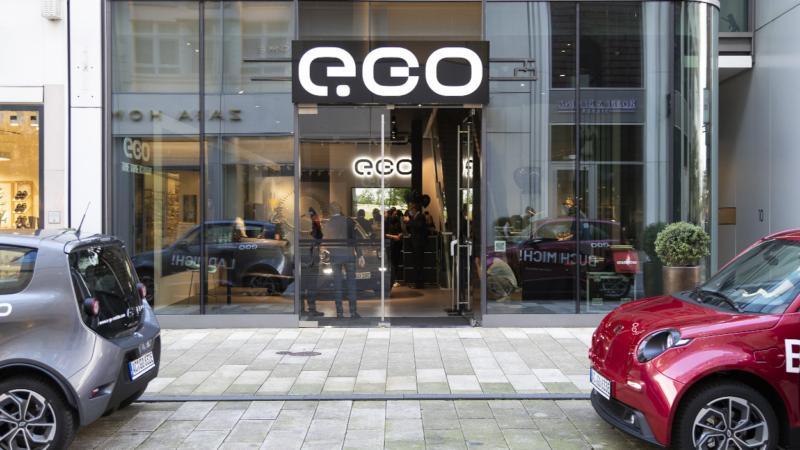 IPH holt E-Auto-Hersteller in die Hamburger Hof Passage
